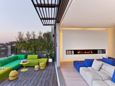 front facing Clear 170 fireplace in outdoor seating area